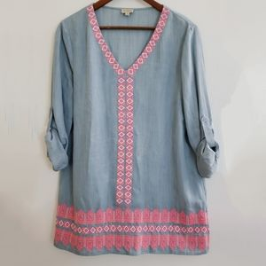 Cremieux   S Blue chambray tunic pink embroidery